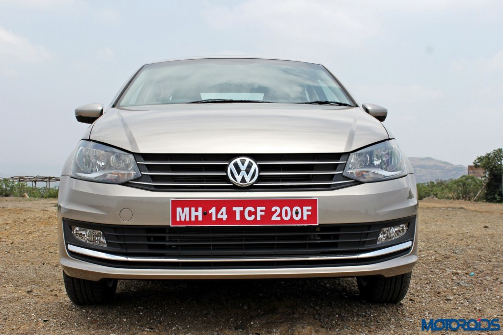 2015 Volkswagen Vento Head on view(2)