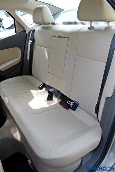 2015 Volkswagen Vento Rear seat (68)