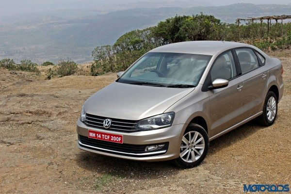 2015 Volkswagen Vento front left three quarters (1)