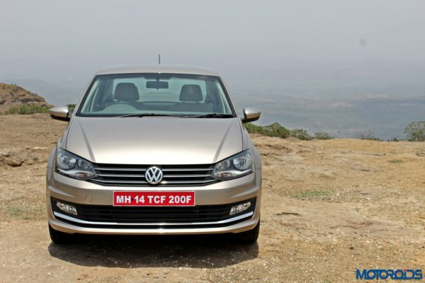 2015 Volkswagen Vento head on(14)