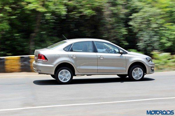 2015 Volkswagen Vento motion shots(56)