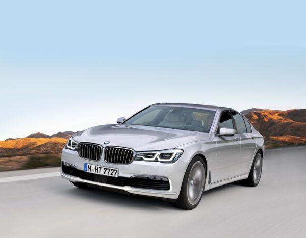 2016-BMW-7-Series-front-rendering