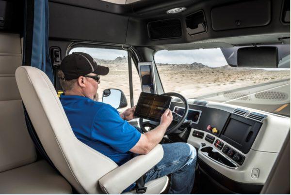 Daimler Trucks drives first autonomous truck on public roads (1)
