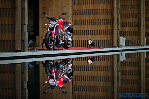 Ducati Monster 821 Review (57)
