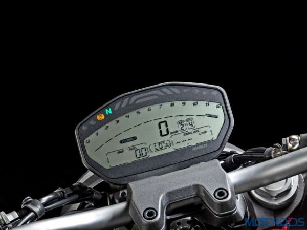 Ducati Monster 821 Review - Details - Instrument Cluster (5)