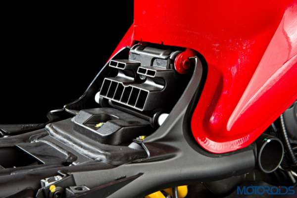 Ducati Monster 821 Review - Details - Seat Height Adjustment (1)