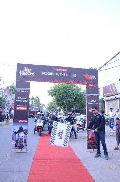 Hyryders Ride Flag Off