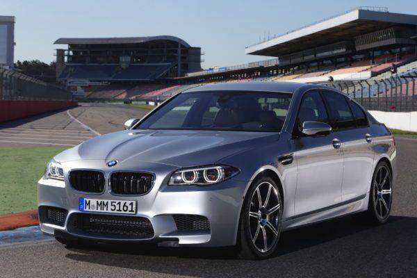 'Individual Pure Metal Silver' BMW M5