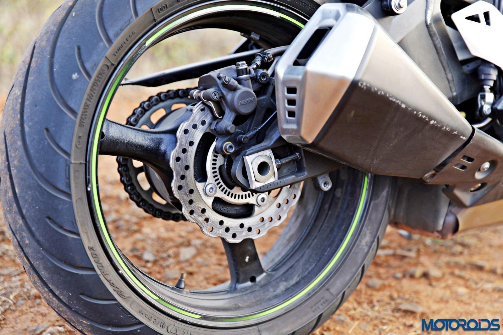 Kawasaki Ninja ZX-14R-exhaust (1)
