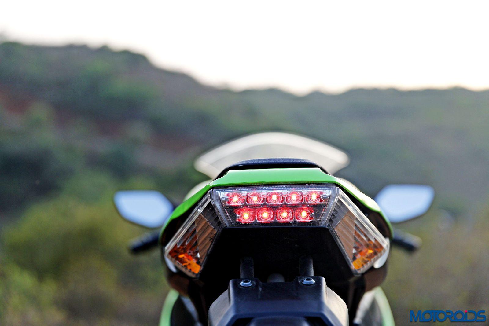 Kawasaki Ninja ZX-14R-rear (1)