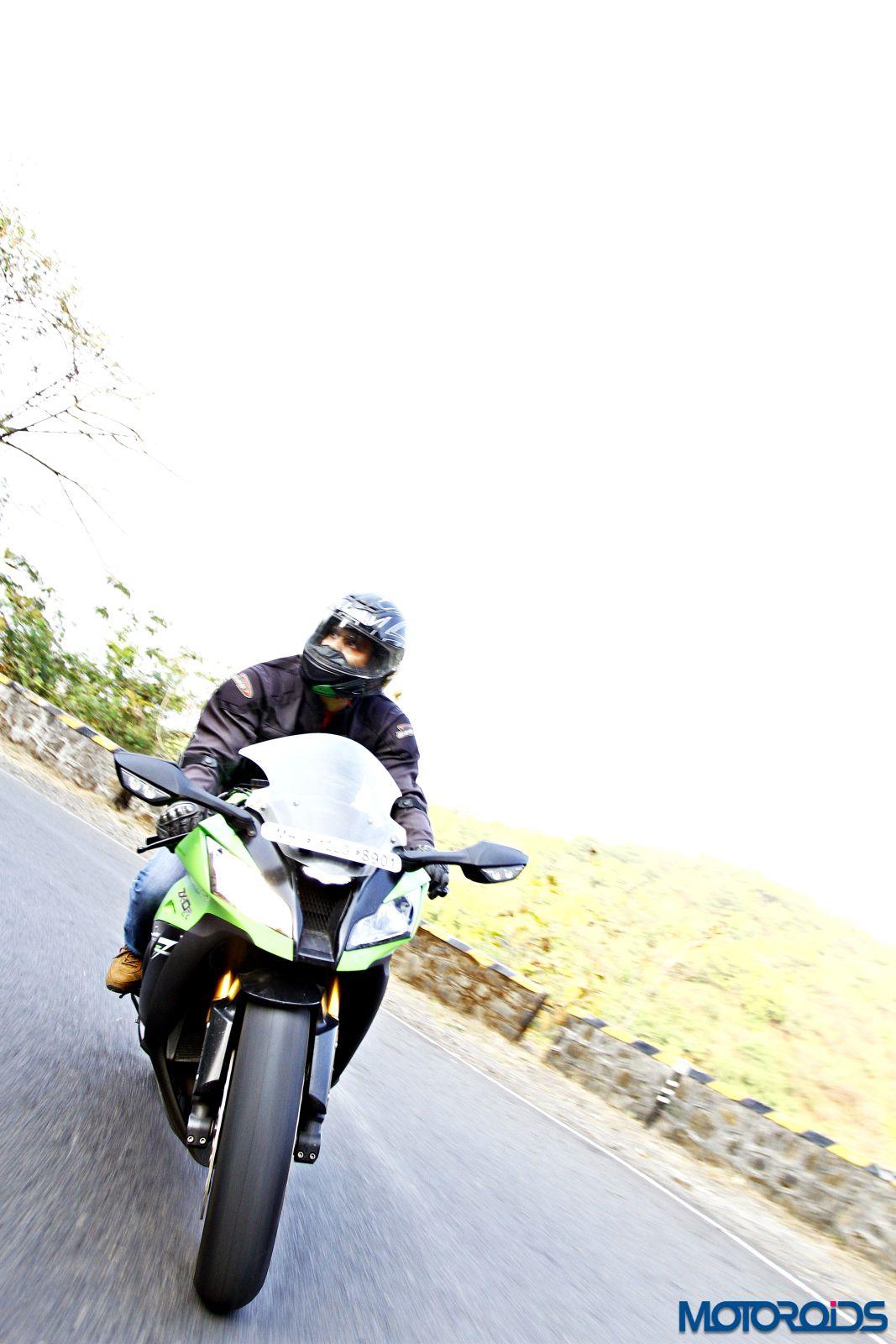 Kawasaki Ninja ZX-14R-riding-front