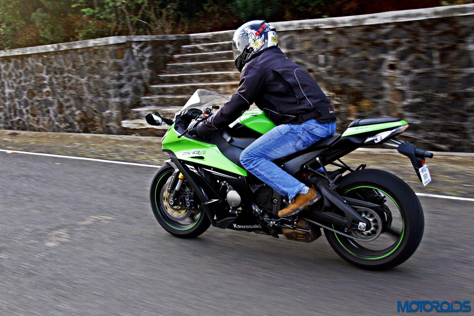 Kawasaki Ninja ZX-14R-riding-left side