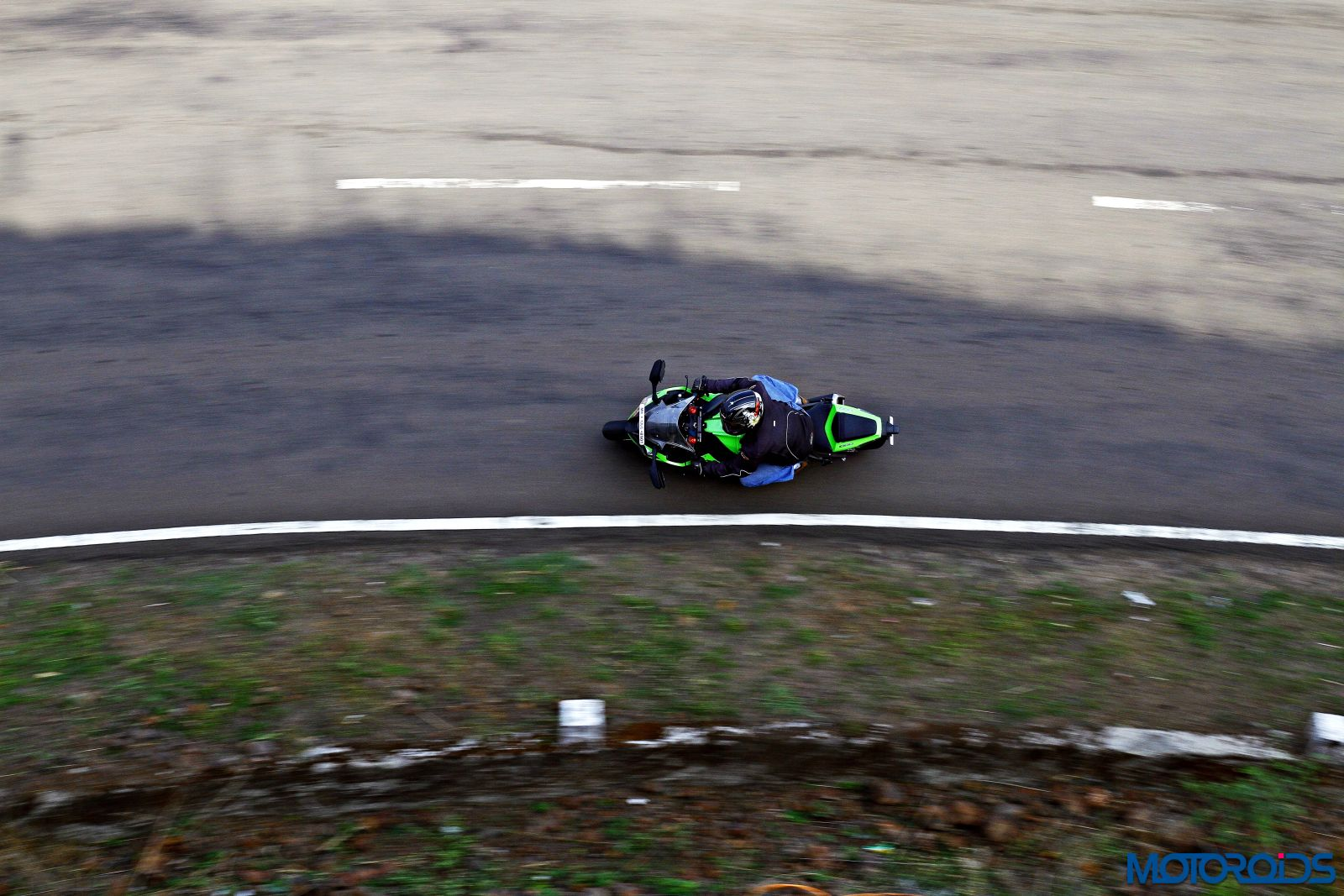 Kawasaki Ninja ZX-14R-riding top