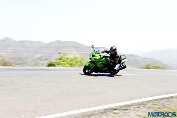 Kawasaki Ninja ZX-14r cornering shots(78)