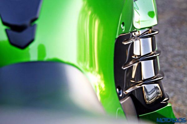 Kawasaki Ninja ZX-14r knee recess(7)