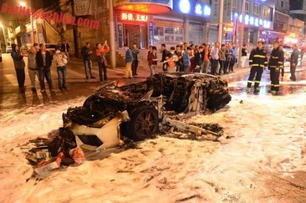 Lamborghini Gallardo on fire (5)
