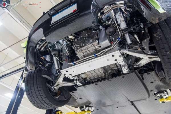Mclaren P1 engine under body
