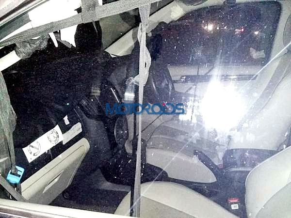 New 2015 chevrolet Trailblazer India interior spy image (5)