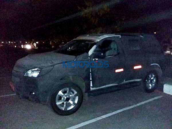 New 2015 chevrolet Trailblazer India side spy image (6)