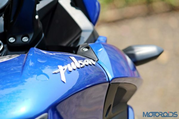 New Bajaj Pulsar AS150-AS200 Review - AS200 - Details - 3D Logo