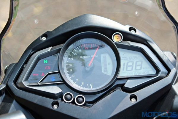 New Bajaj Pulsar AS150-AS200 Review - AS200 - Details - Instrument Cluster (2)