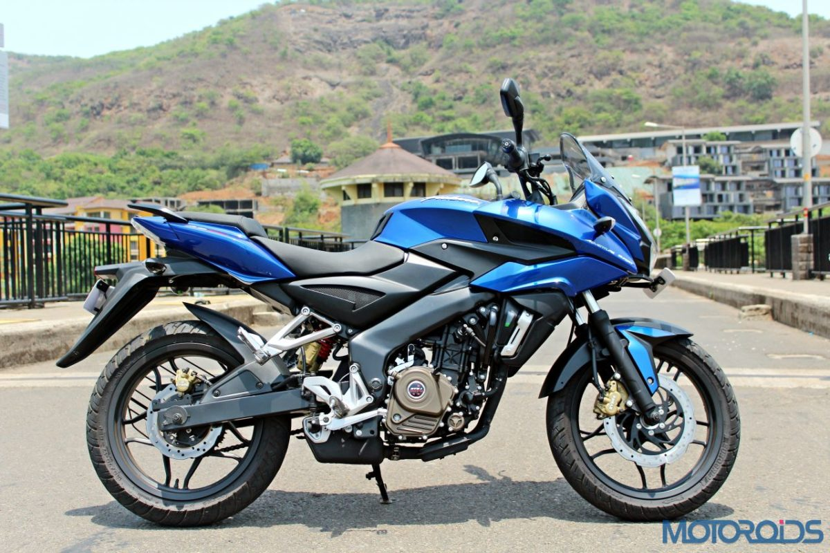 New Bajaj Pulsar AS150 AS200 Review – AS200 Static Shots (10)