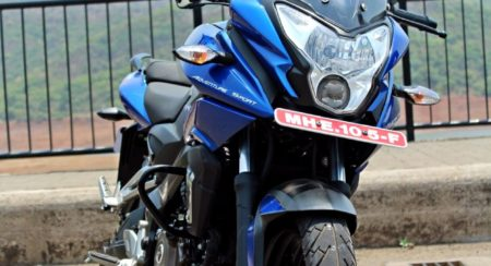 New Bajaj Pulsar AS150-AS200 Review - AS200 Static Shots (14)