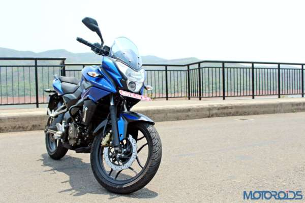 New Bajaj Pulsar AS150-AS200 Review - AS200 Static Shots (16)