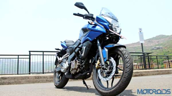 New Bajaj Pulsar AS150-AS200 Review - AS200 Static Shots (9)