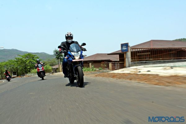 New Bajaj Pulsar AS150-AS200 Review - Action Shots (6)