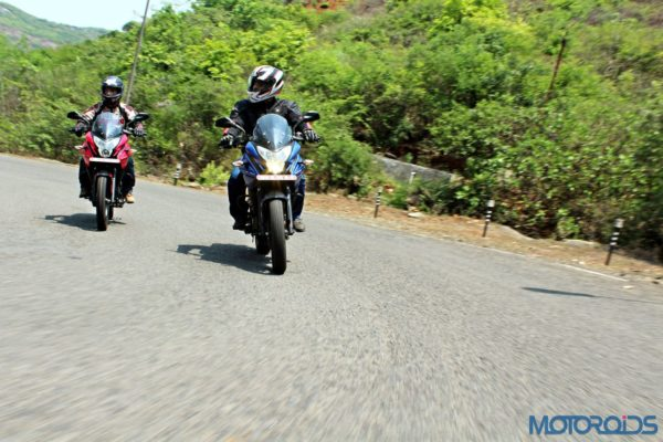New Bajaj Pulsar AS150-AS200 Review - Action Shots (7)