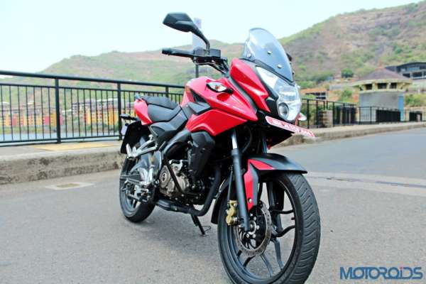 New Bajaj Pulsar AS150-AS200 Review - Static Shots (24)