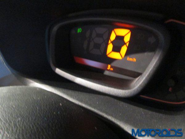 Renault-KWID-Review (31)