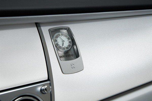 Rolls Royce Wraith Inspired by Fashion Clock