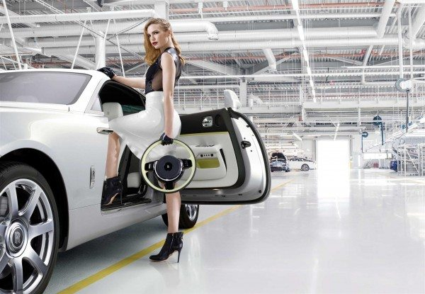 Rolls Royce Wraith Inspired by Fashion steering wheel