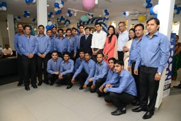 Tata Motors new dealership in Mumbai (1)