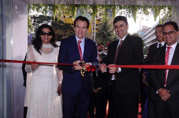 Volkswagen opens new dealership in Mumbai (1)