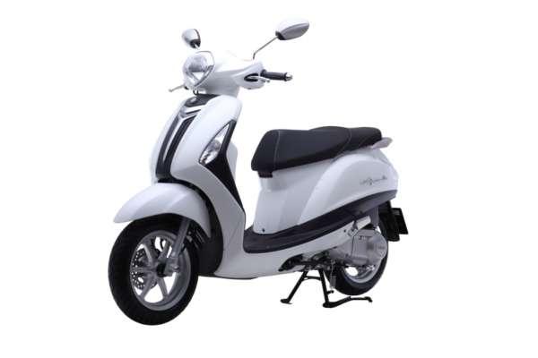 Yamaha-Nozza-Grande-front-quarter-600x400