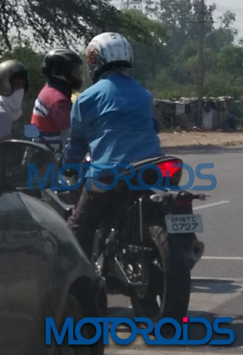 Yamaha YZF-R3-Spied-India (2)
