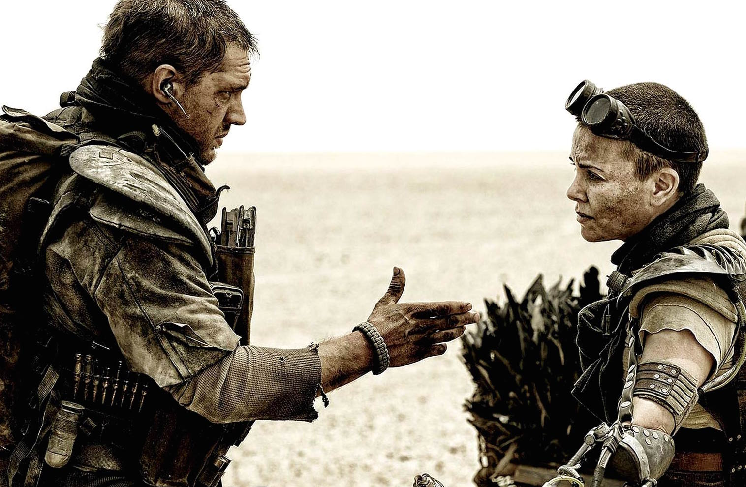 mad-max-fury-road-tom-hardy-charlize-theron-