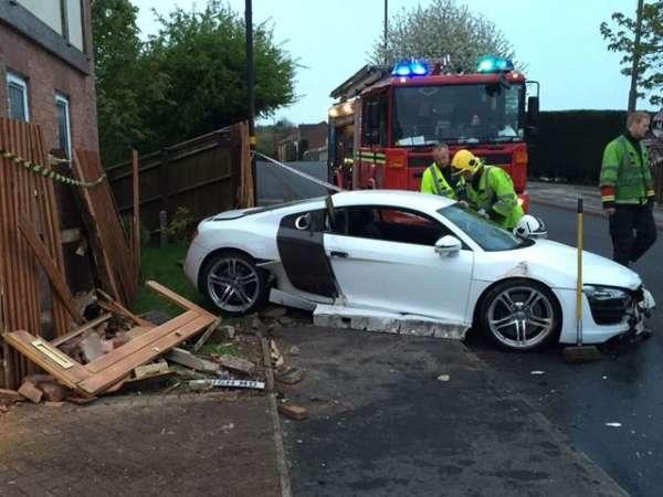 Audi R8 crash (3)
