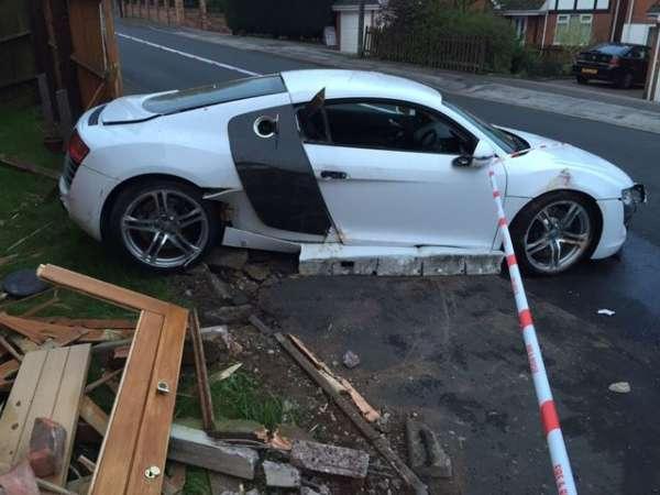 Audi R8 crash (1)