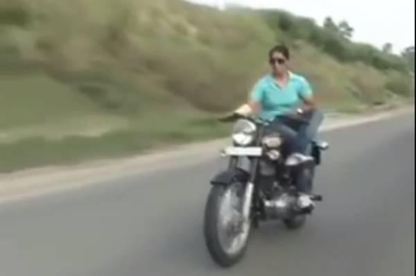 woman cop on bike 1