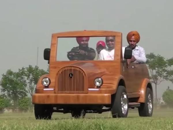 wooden-roadster