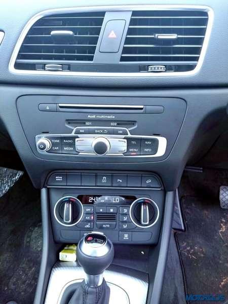 2015 Audi Q3 35 TDI Quattro centre console