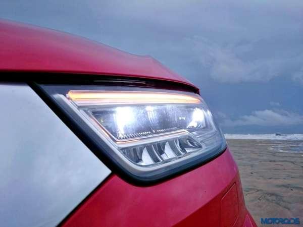 2015 Audi Q3 35 TDI Quattro headlight (1)