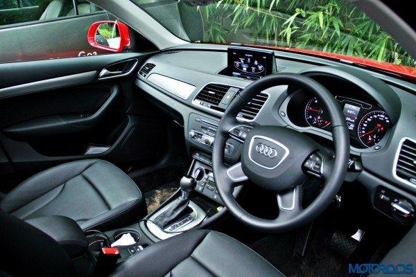 2015 Audi Q3 cabin v(127)