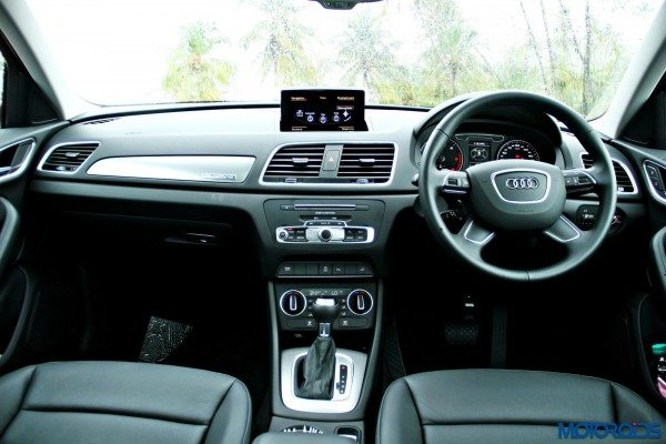2015 Audi Q3 cabin view(103)