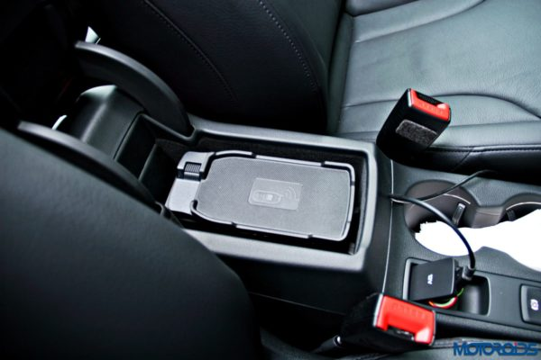 2015 Audi Q3 cell phone cradle(135)