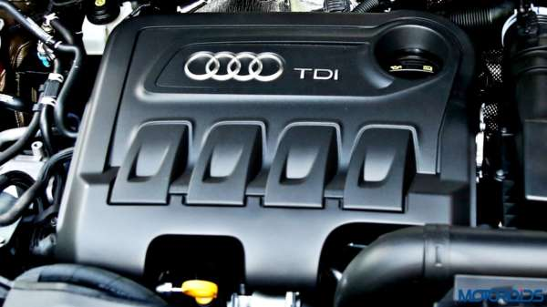 2015 Audi Q3 engine bay(29)